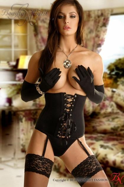 corset-carmen