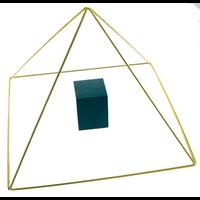Pyramide en Laiton avec Chambre Bois