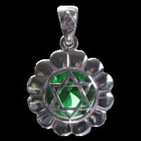 Médaille Chakra Anahata Argent 925 avec Emeraude  (synthétique)  - 2 cm