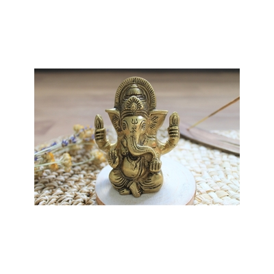 70447.2.Statuette Ganesh assis en Laiton doré mat 9.2 cm