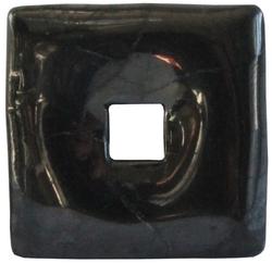 54706-pi-chinois-carre-shungite-3-cm