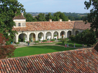 Chateau-cour