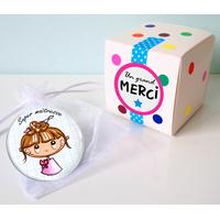 Badge + boîte cadeau (Maître, Maîtresse, Atsem, Nounou)