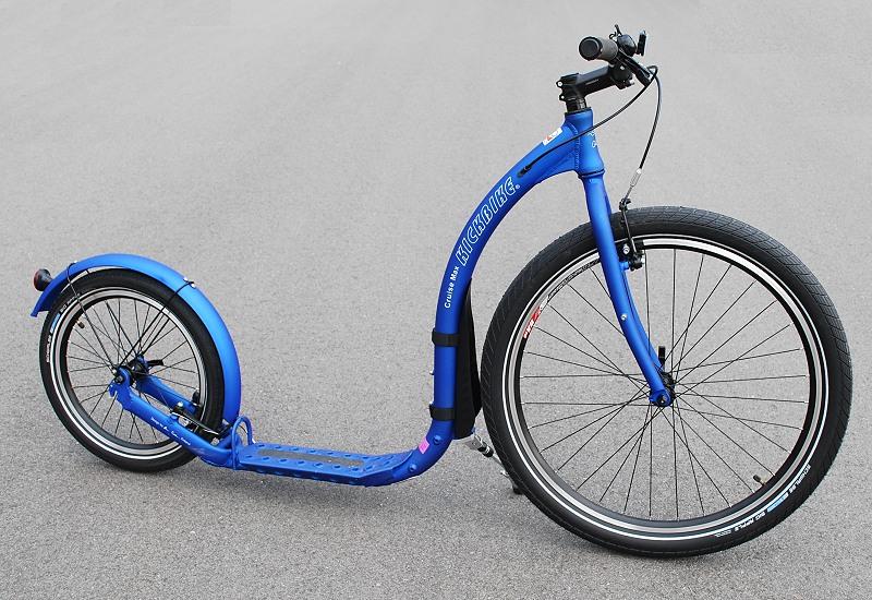 kickbike-cruiser-blue-18-guidon-plat