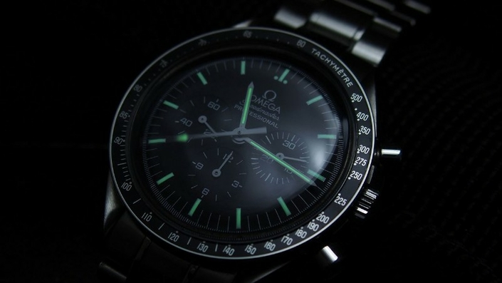 omega-speedmaster-pro-moonwatch-zrc-watchiful-2