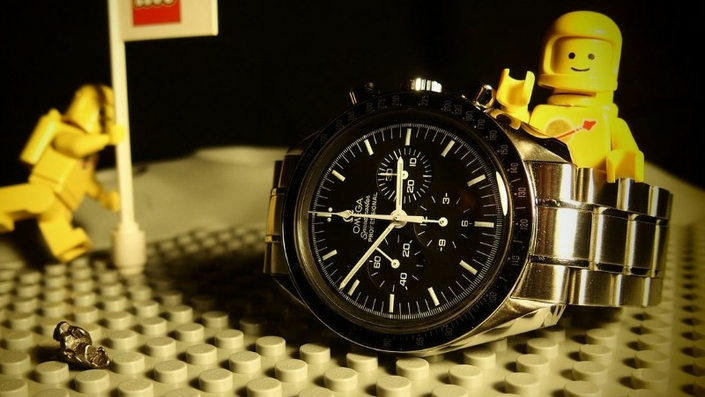 omega-speedmaster-pro-moonwatch-zrc-watchiful