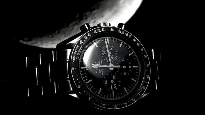 omega-speedmaster-pro-moonwatch-zrc-watchiful-3