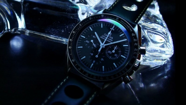 omega-speedmaster-pro-moonwatch-zrc-watchiful-4