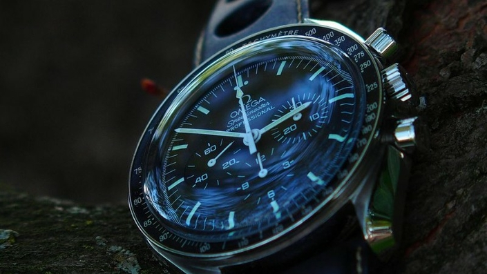 omega-speedmaster-pro-moonwatch-zrc-watchiful-6