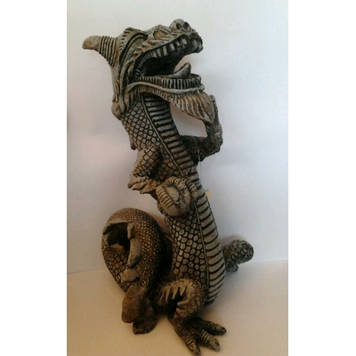 Dragon 11X13X21cm