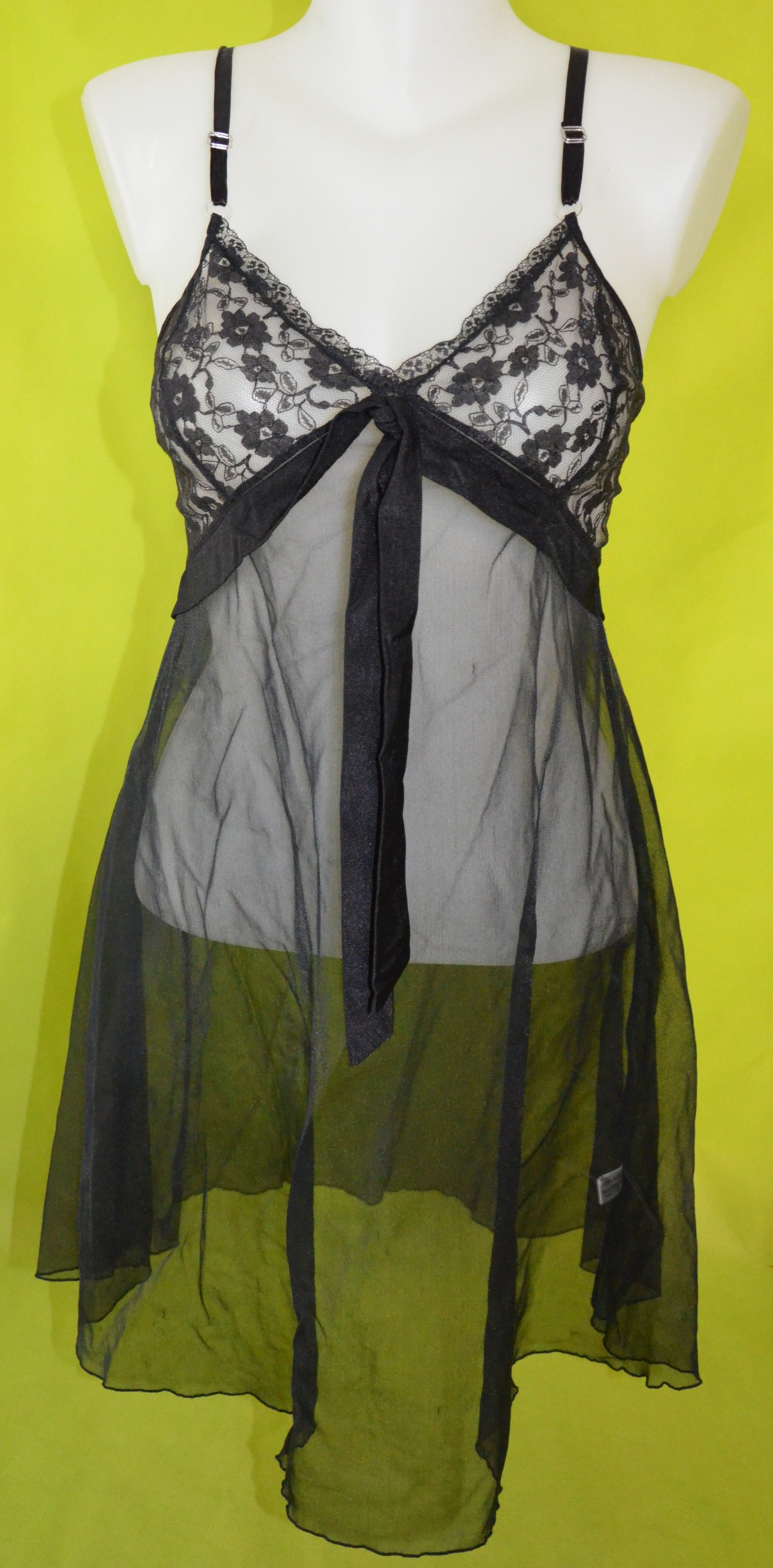 nuisette femme noire opiance taille 36-38 occasion