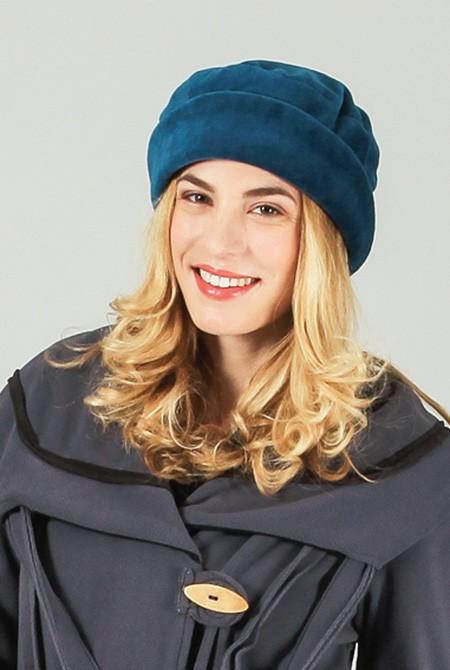 Chapeau bleu à revers noir