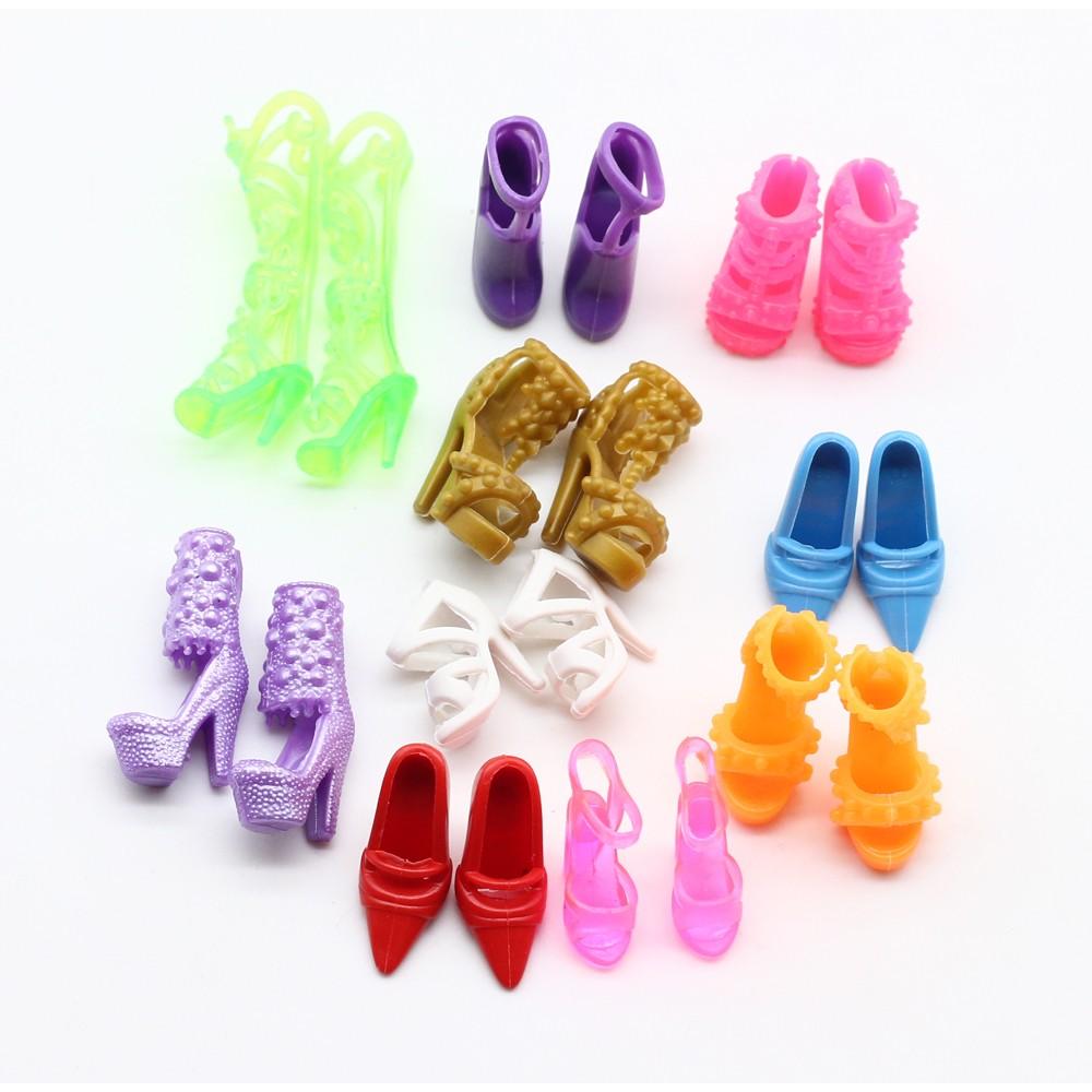 lot 10 paires chaussures pour barbie stock