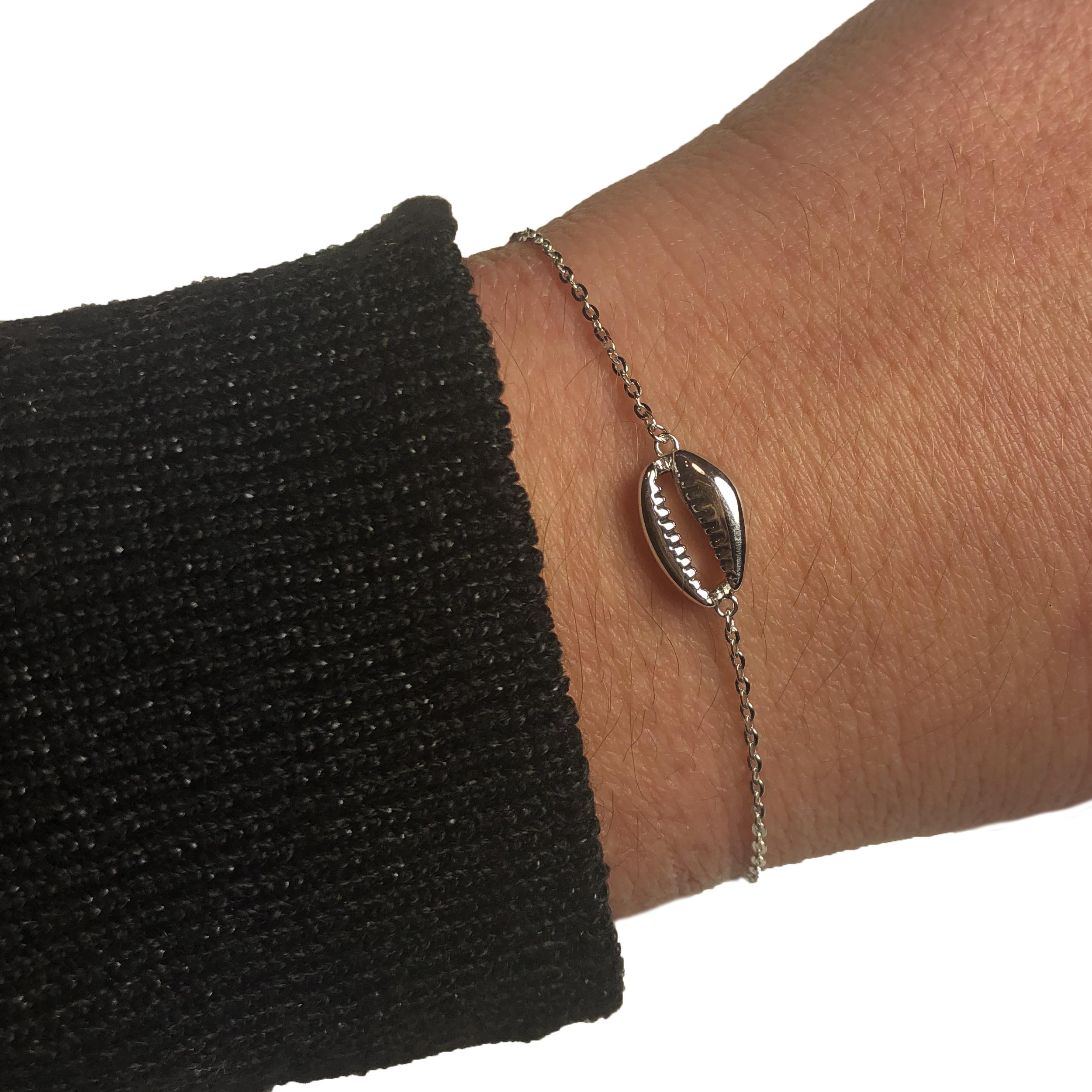 pas mal d27dc c013f Bracelet Zag Coquillage Cauri Argent
