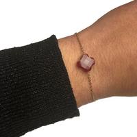 Bracelet Trèfle Doré Pierre Rouge Opaque