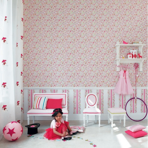 papier peint jardin enchant enfants papiers peints le boudoir des etoffes. Black Bedroom Furniture Sets. Home Design Ideas