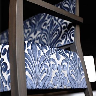 idee-tissu-damas-fauteuil-moderne
