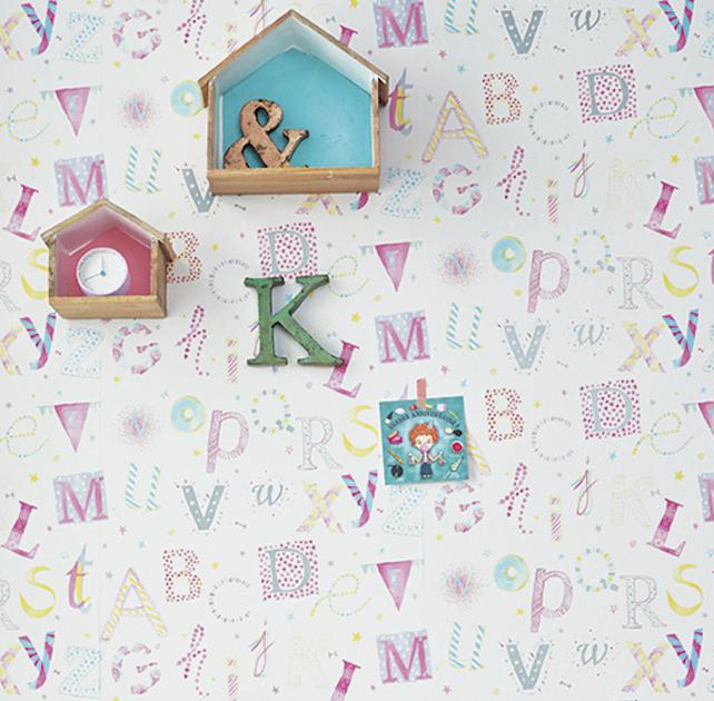 papier-peint-enfant-camengo-summer-camp-lettres-violet-visuel