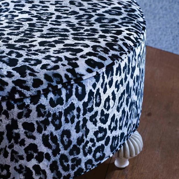 velours-leopard-gris-pardus-osborne-and-little