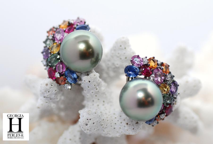 Boucles d\'oreilles saphirs, diamants et perles de Tahiti