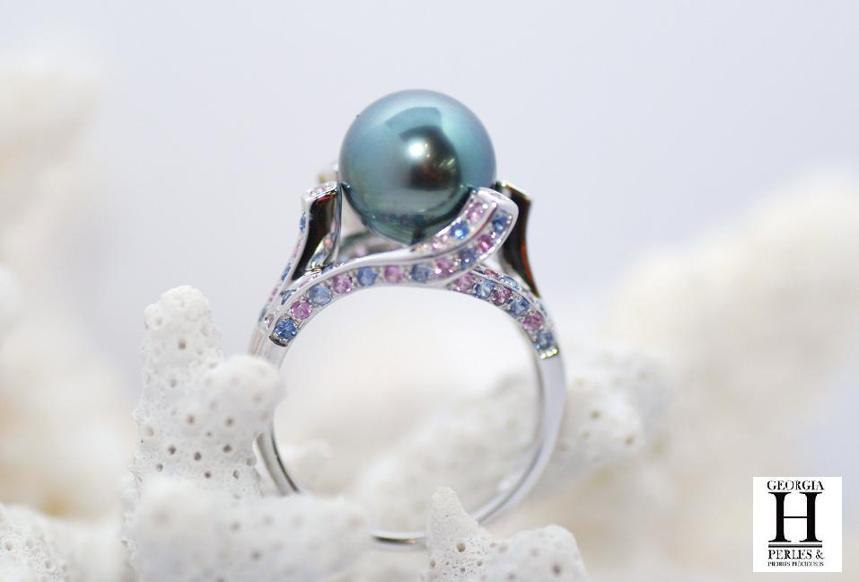Bague saphirs roses et bleus 1 perle de Tahiti