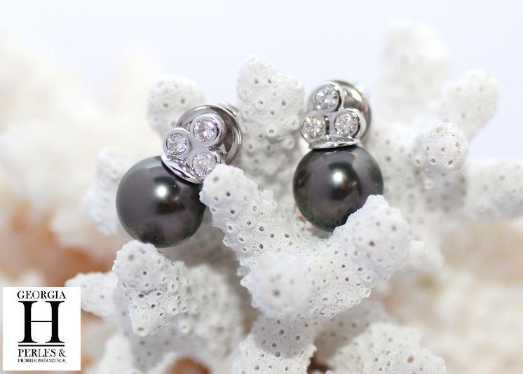 Boucles d\'oreilles Triplet 6 diamants et 2 perles de Tahiti
