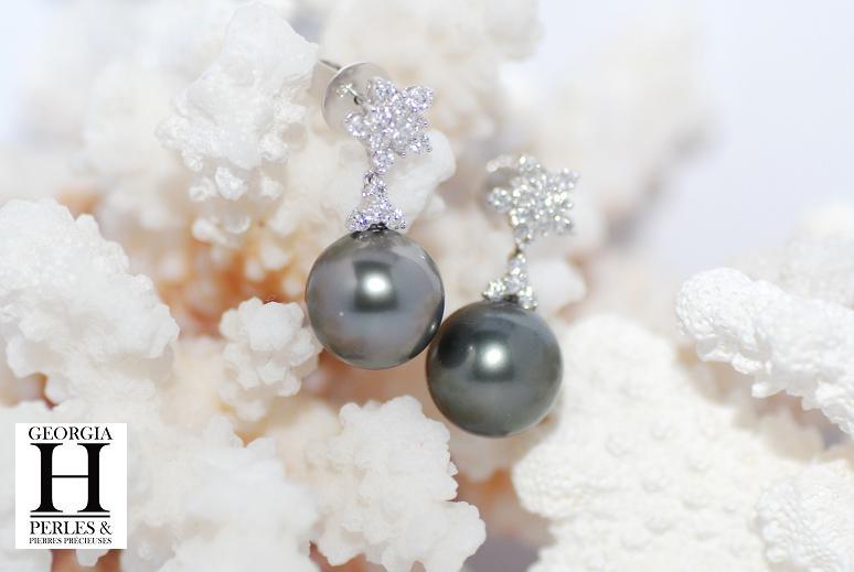 Pendants d\'oreilles flocons de brillants et 2 perles de Tahiti