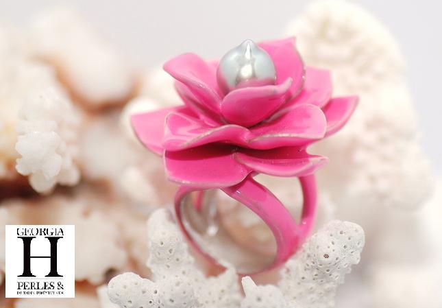Bague Magnolia rose et 1 perle de Tahiti