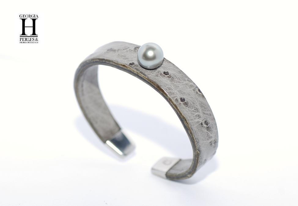 Bracelet Africa cuir d\'autruche grise et 1 perle de Tahiti