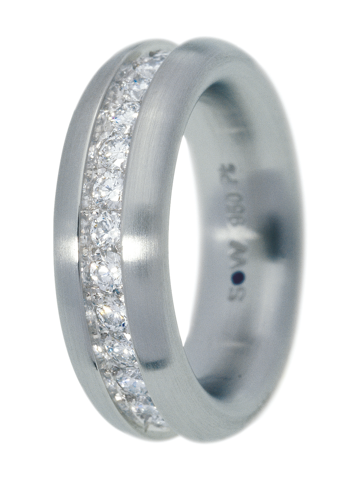 Bague en or blanc brossé 33 diamants