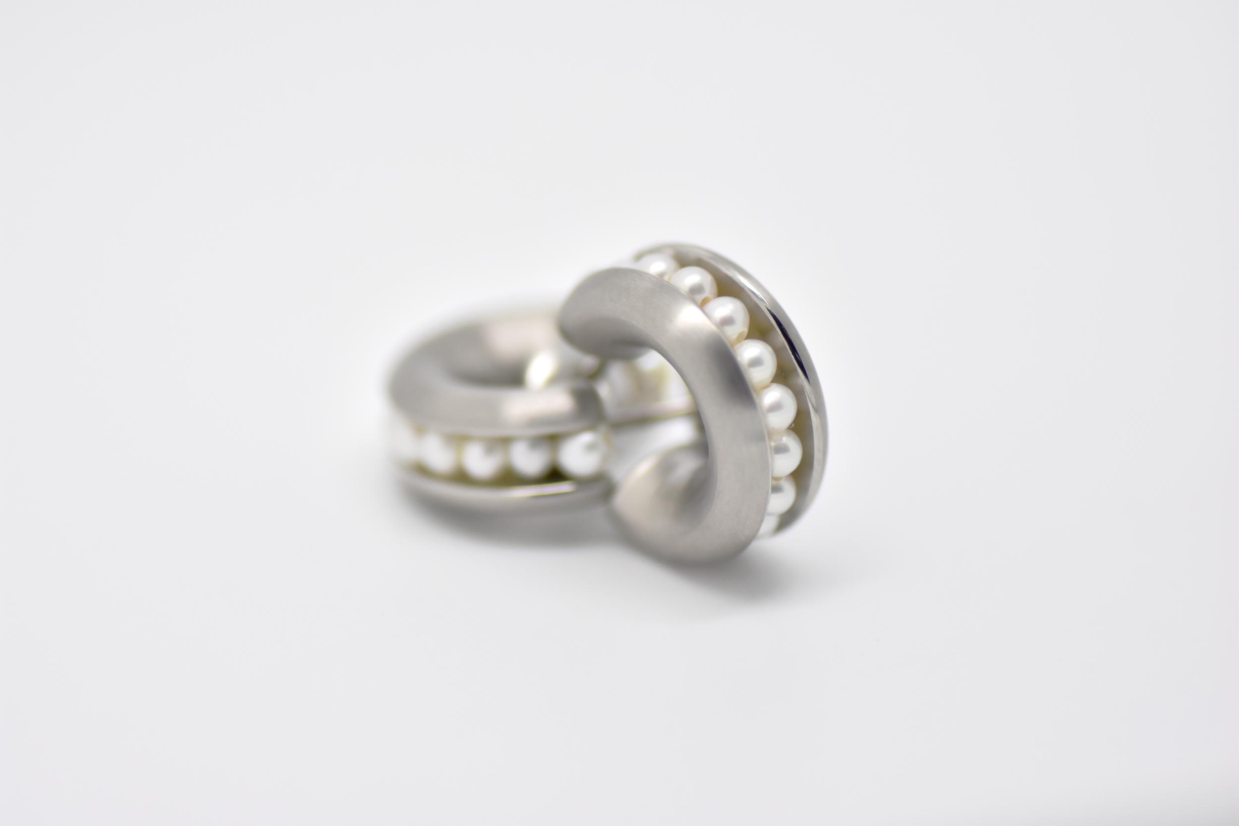 CREOLES acier et perles blanches