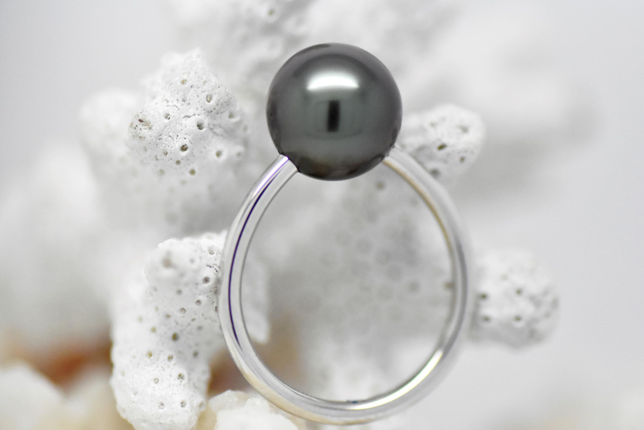 Bague essentiel en or blanc 1 perle de Tahiti de 10 mm