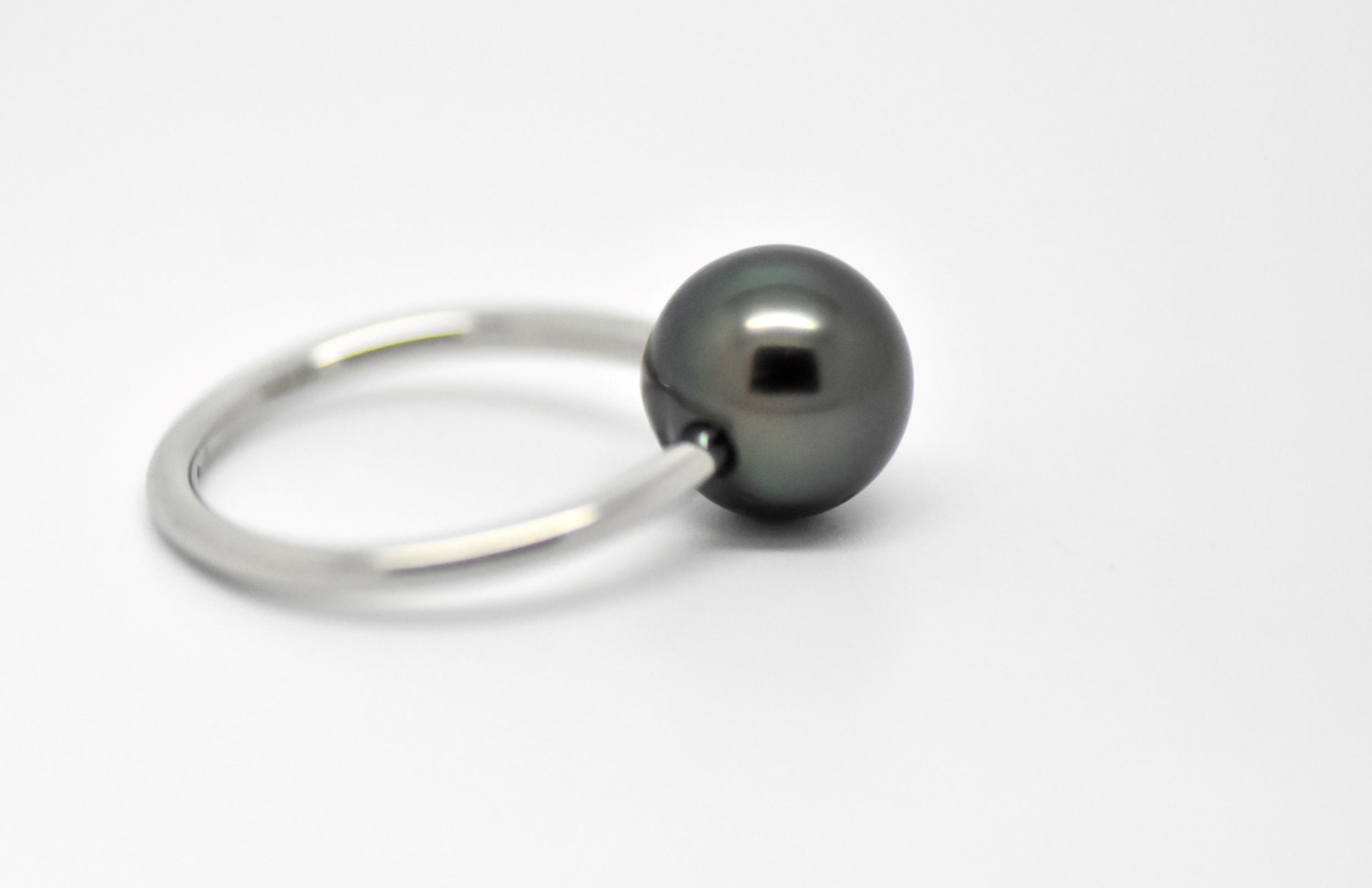 Bague essentiel en acier hypoallergénique 1 perle de Tahiti de 9 mm