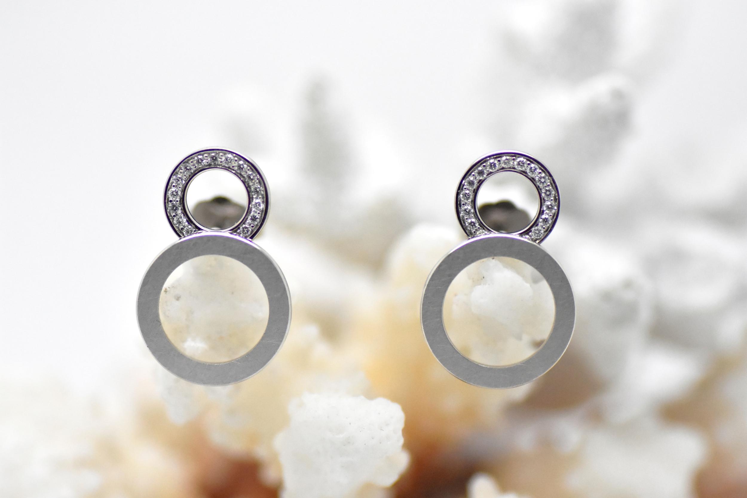 Boucles d\'oreilles SATURN double anneaux blanc mate et diamants