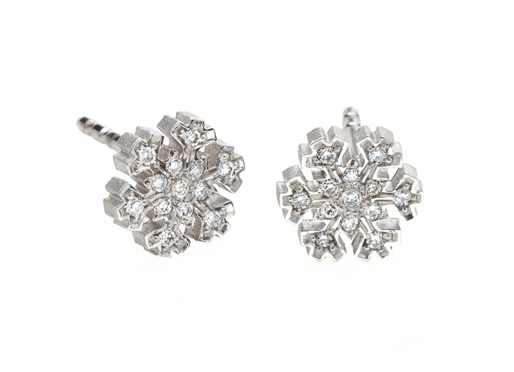 Boutons d\'oreilles flocon de neige blanc brillant or blanc et diamants