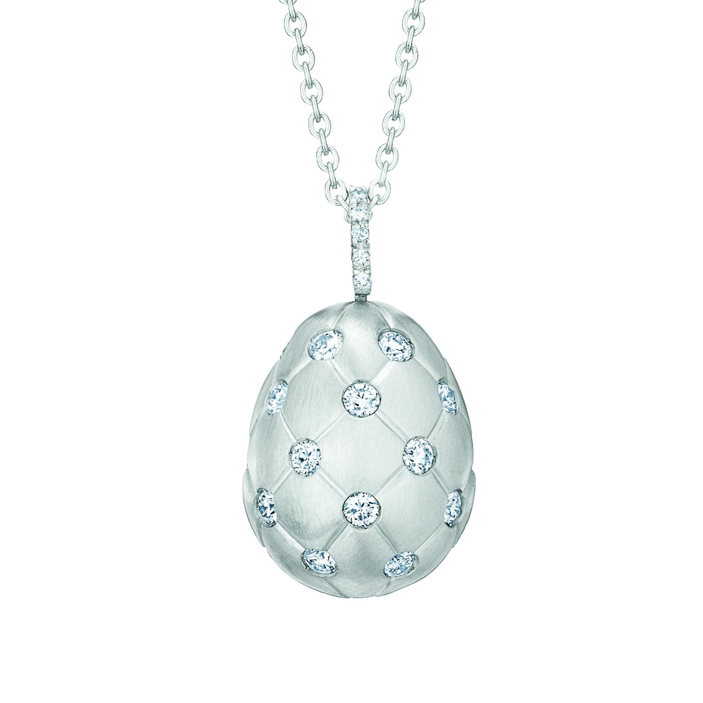 Pendentif oeuf Fabergé collection Treillage en or blanc 18 carats et diamants