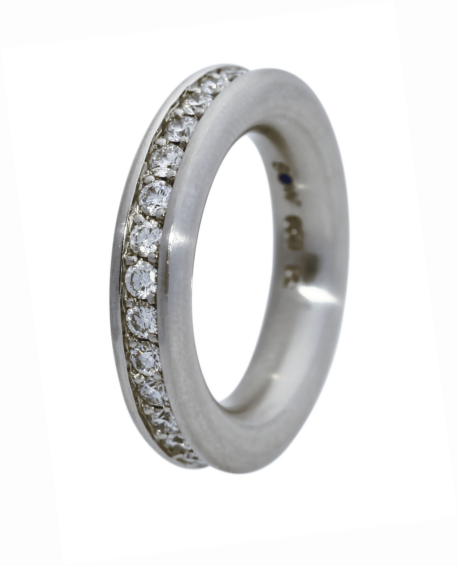 Bague en or blanc brossé 30 diamants