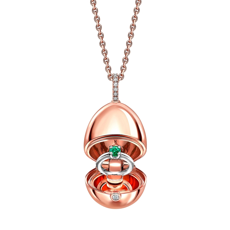 COLLECTION IMPERIALE PENDENTIF OEUF FABERGÉ OR ROSE LOCKET AVEC SURPRISE BAGUE SOLITAIRE EMERAUDE