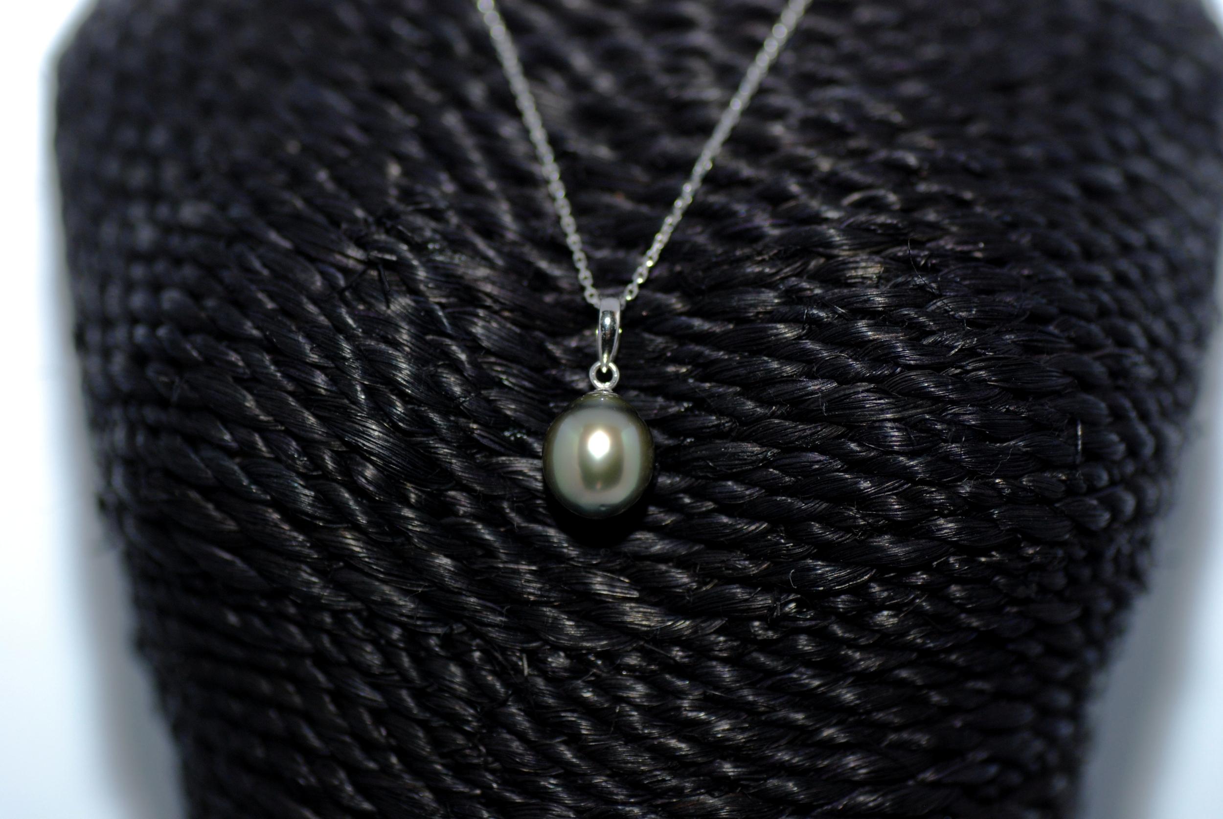 Pendentif 1 perle de Tahiti couleur pistache doré