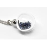 """Pendentif """"boule de neige bleu XXL"""" 27 saphirs bleus dans un globe de verre en borosilicate"""