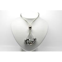 """Collier cravate """"BLACK CLOUD"""" 9 perles de Tahiti sur câbles d'acier"""