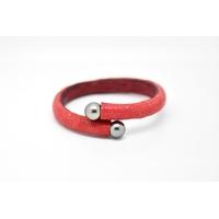 "Bracelet ""Africa"" cuir galuchat rouge et perles de Tahiti"