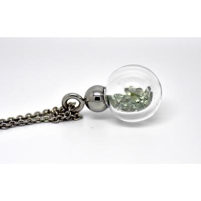 "Pendentif ""boule de neige vert"", saphirs verts dans un globe"