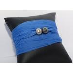 Bracelet manchette soie bleue et perles de tahiti (2)