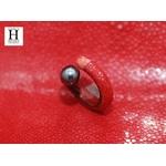 Bague cuir de raie galuchat rouge et perle de tahiti