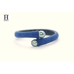 Bracelet Africa galuchat bleu et perles de tahiti (4)