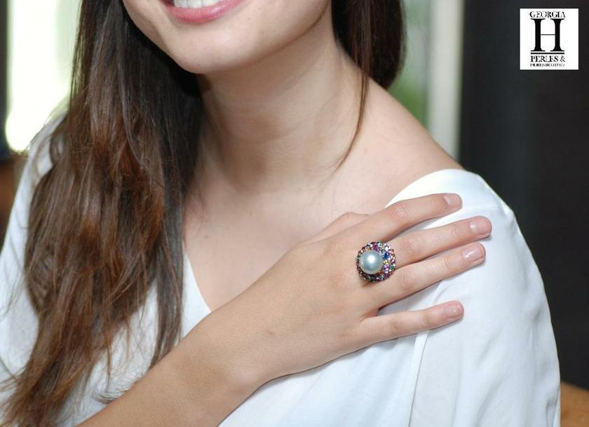 Bague Saphirs , brillants, tsavorites  et perle de tahiti (2)