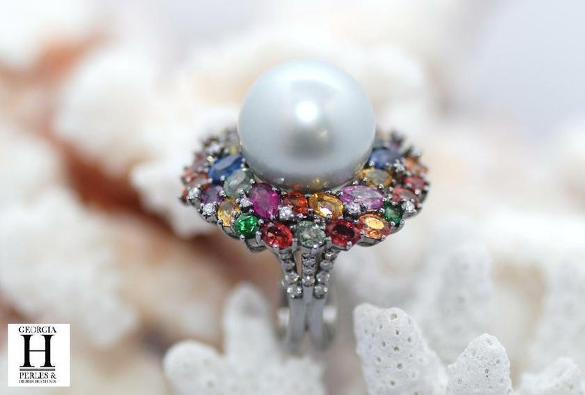 Bague Saphirs , brillants, tsavorites  et perle de tahiti (5)