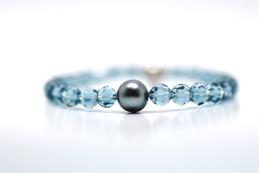 bracelet manhattan perles swarovski couleur indian blue et perle de tahiti bracelets georgia h. Black Bedroom Furniture Sets. Home Design Ideas