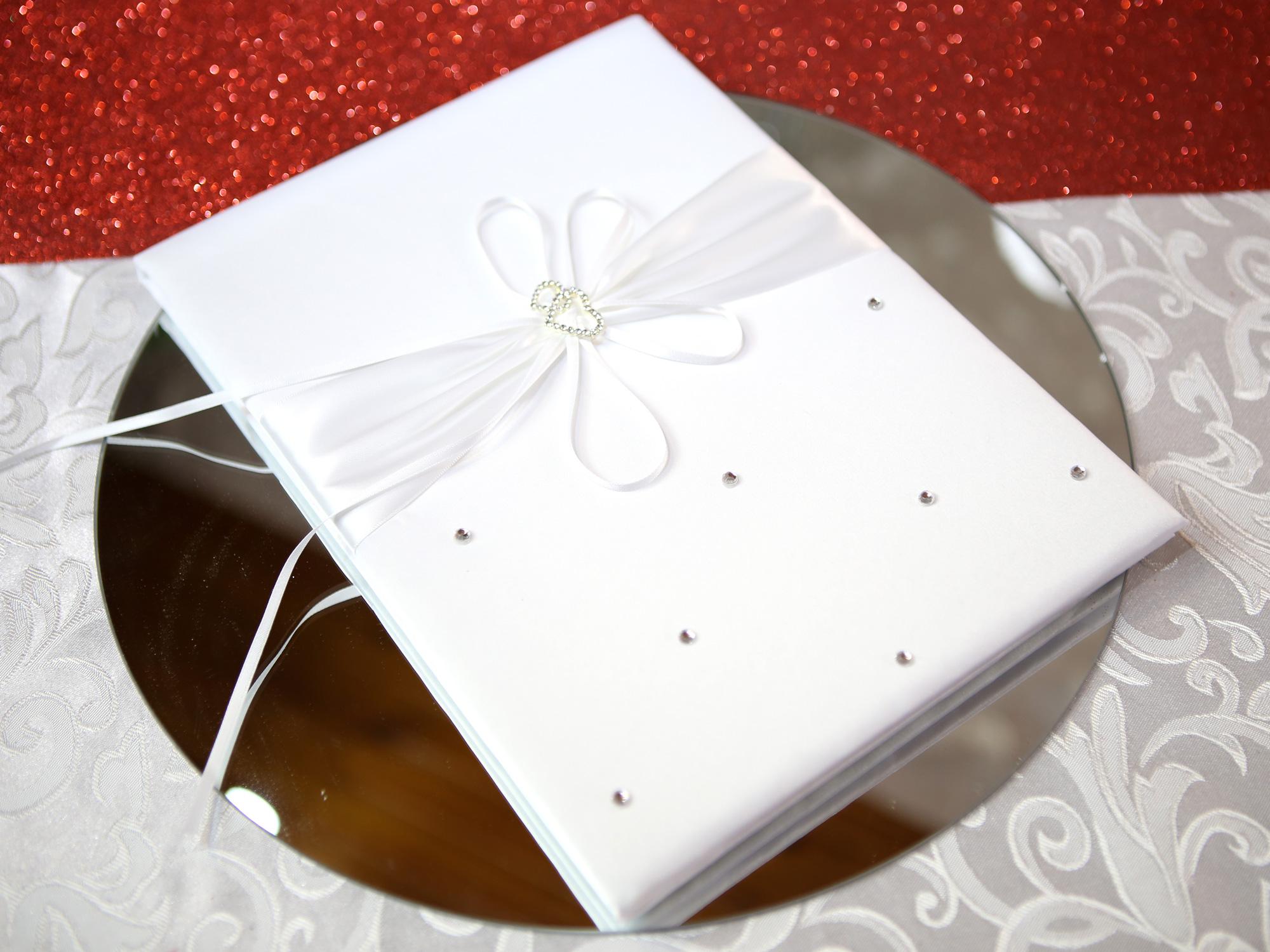 Livre d\'or mariage élégance satin cœur  MLO1